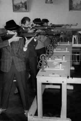 Luftgewehr-Schießen im Hirschen